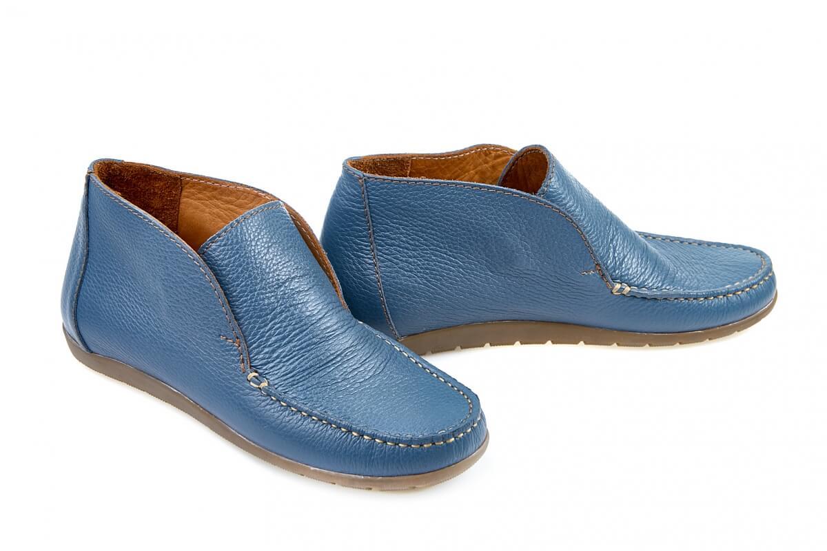 Новинки осіннього сезону. Стильне жіноче та чоловіче взуття  8e736d7b03ecf