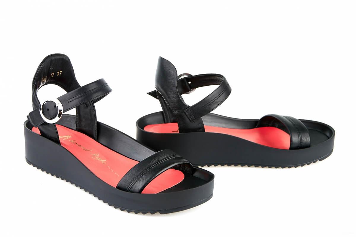 Жіноче взуття весна-літо 2017. Стильні жіночі босоніжки 6bede67c0053d