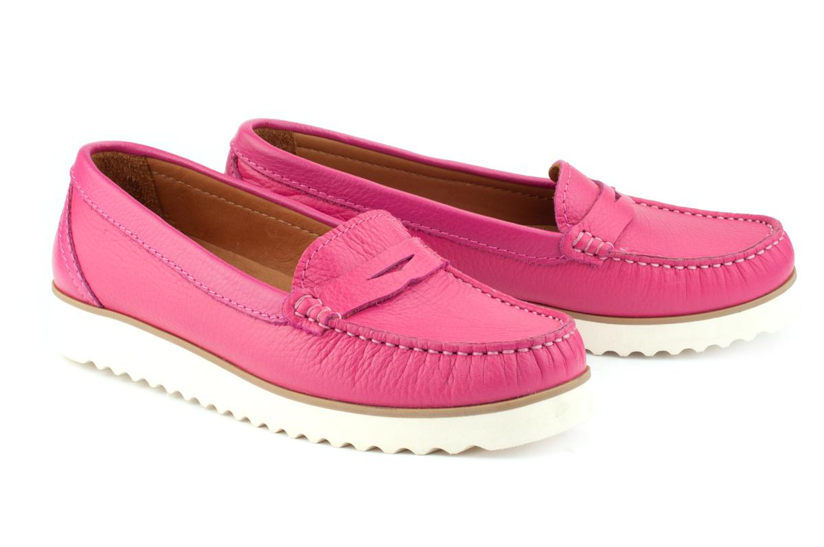 e3b4bca138ff9c Купити Мокасини 222   Колір: малиновий   Матеріал: натуральна шкіра    Жіноче взуття   Мокасини - інтернет-магазин leomoda.ua